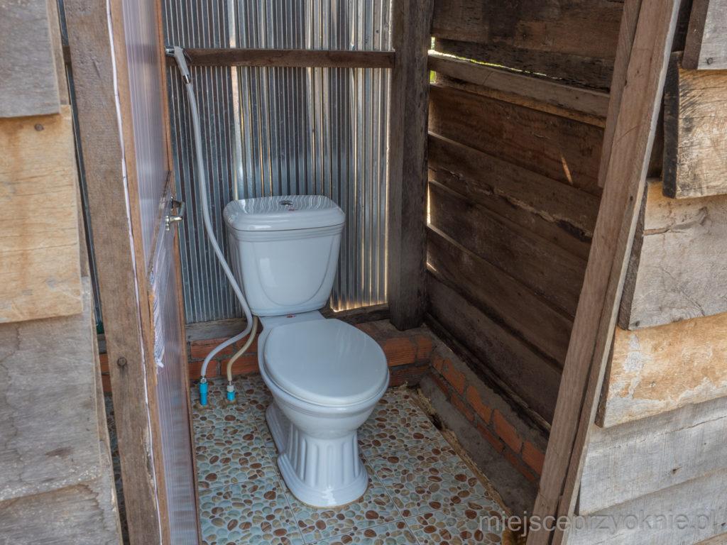 Toaleta, standard europejski
