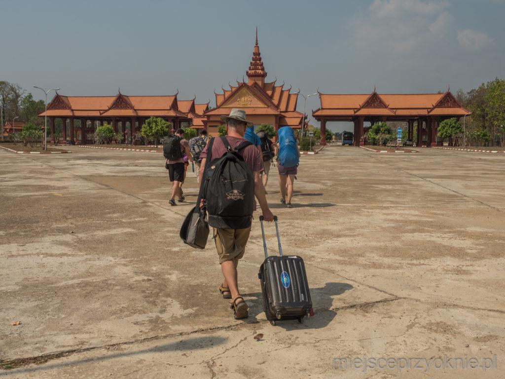 Granicę z Laosem przekraczaliśmy pieszo