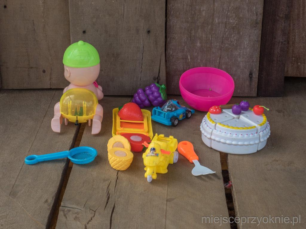 Zabawki na tarasie