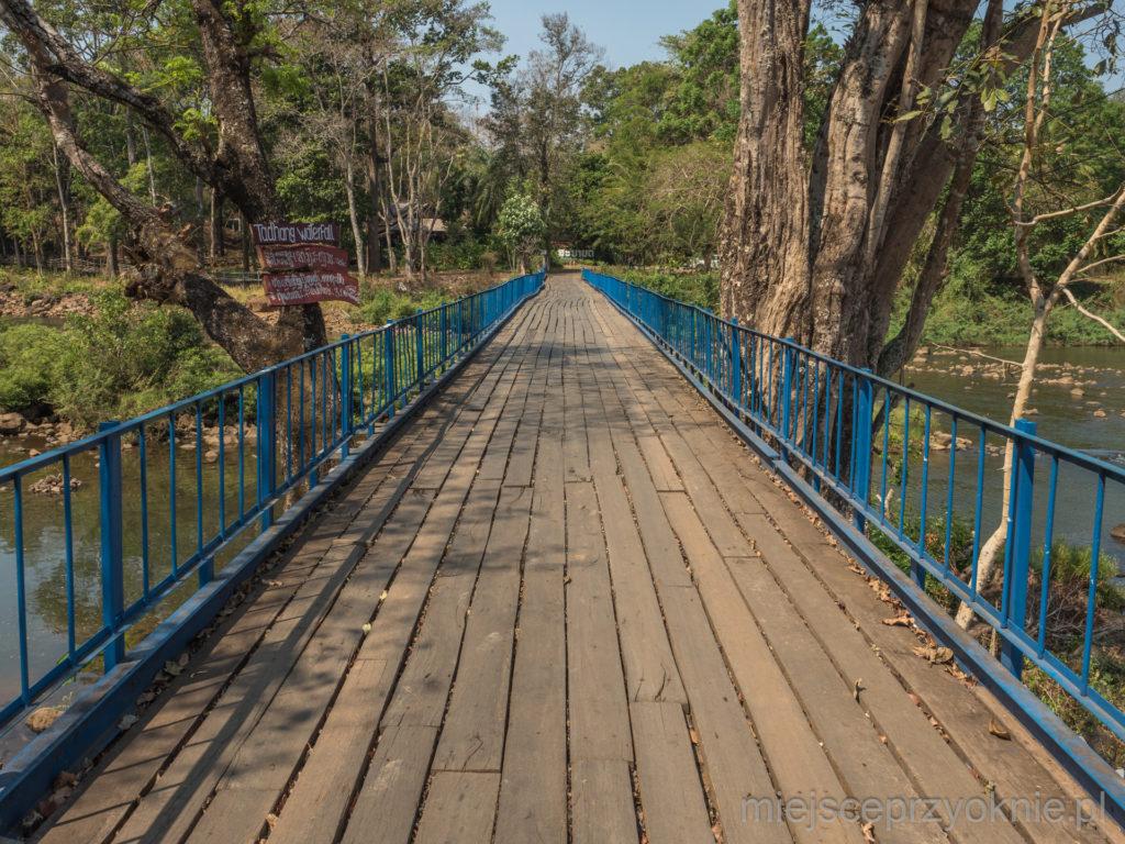 Most z widokiem na wodospad Tad Hang
