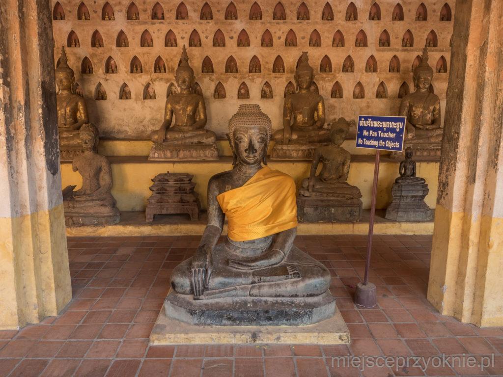 Figurki buddów