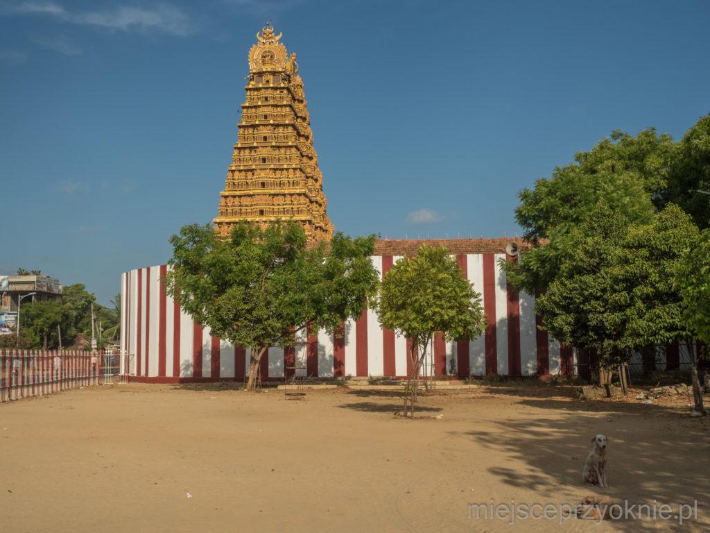 Jedna z czterech gopur, czyli wież wejściowych do świątyni
