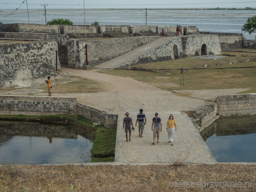 Główne wejście do fortu